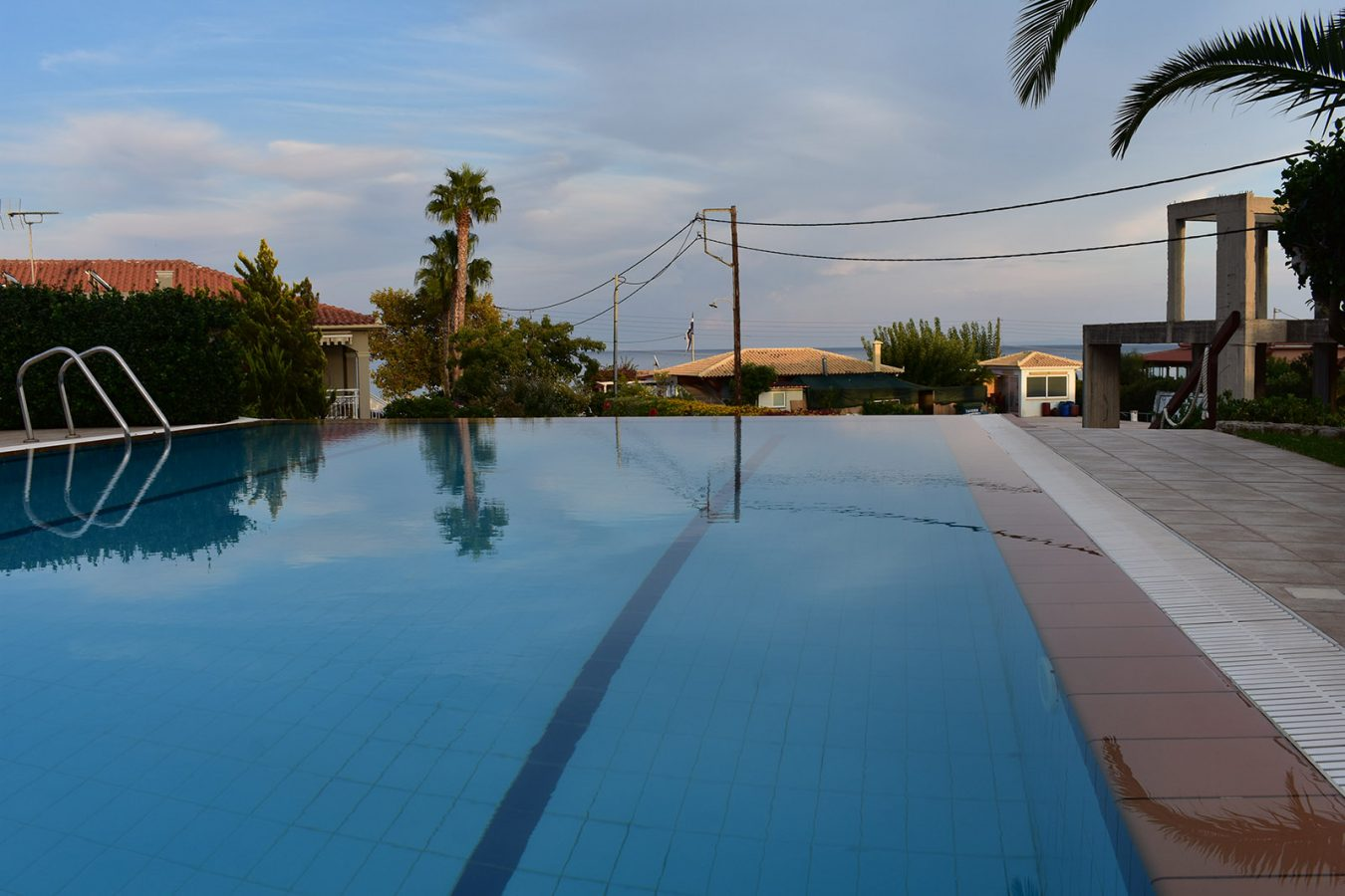 Exterior pool in Skala Kefalonia - Melidron Hotel Kefalonia