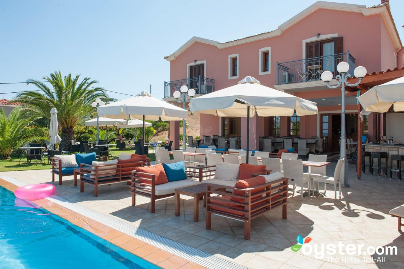 Hotel Pool Bar in Skala Kefalonia - Melidron Hotel Kefalonia